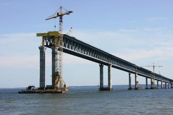 Через Керченский мост на полуостров будет попадать по 14 млн. туристов