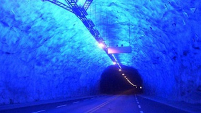Подводный туннель через пролив в Крыму появится быстрее моста