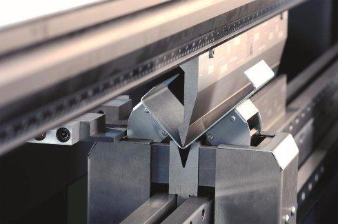 Как изготовить изогнутый металлический профиль, не нарушая целостности металла и качества работы