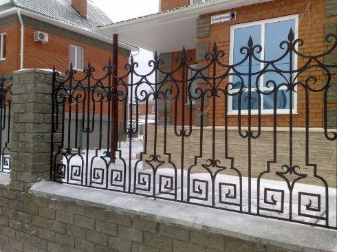 Производство металлических заборов и дверей