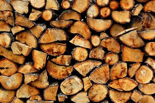Отапливать дома севастопольцев в этом году будут дровами