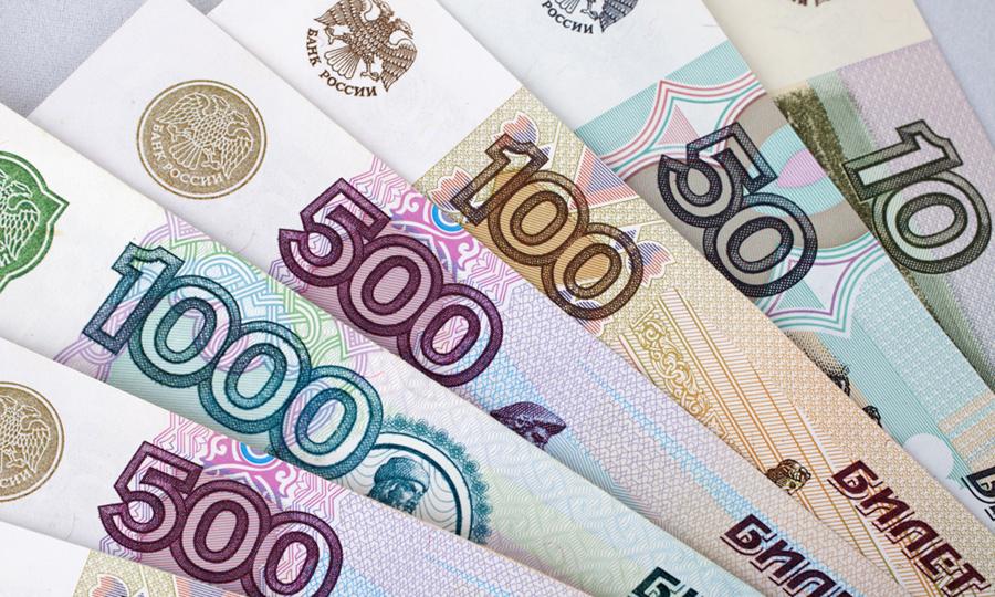 Аксенов намерен просить увеличения зарплаты для крымских чиновников