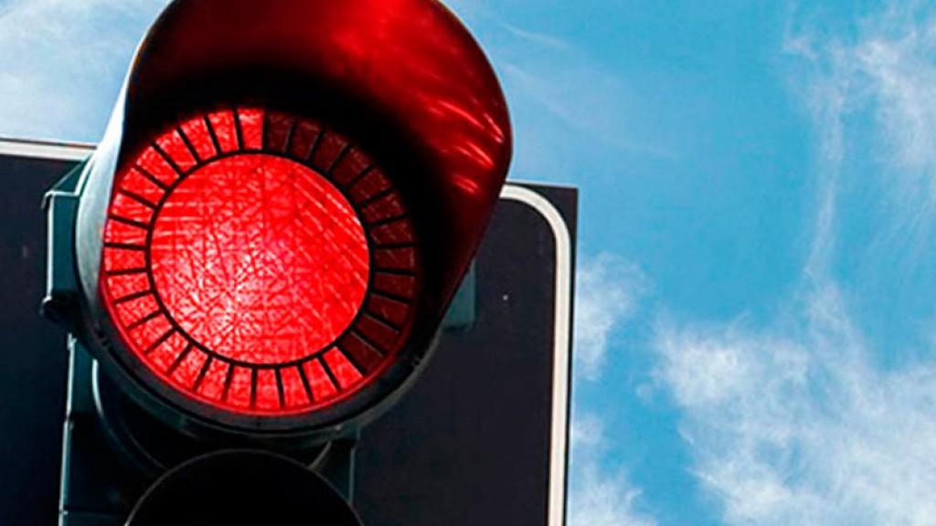 Крымские водители смогут поворачивать на красный