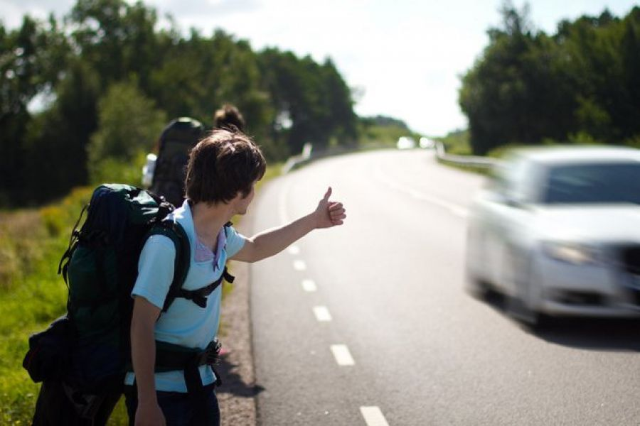 Супружеская пара из Пермского края проехала автостопом весь Крым