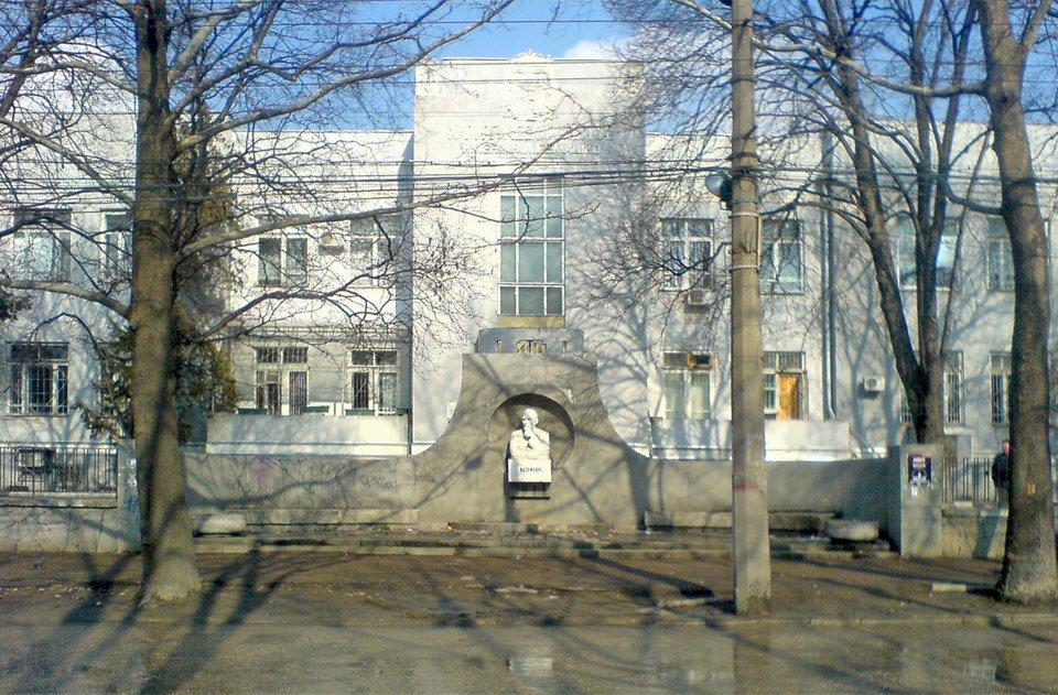 В Симферопольской больнице им. Семашко растет недовольство среди пациентов
