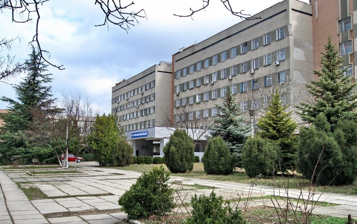 Охранять учреждения здравоохранения в Крыму хотят волонтеры