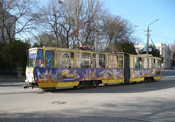 В Евпатории ребенок угодил под колеса трамвая