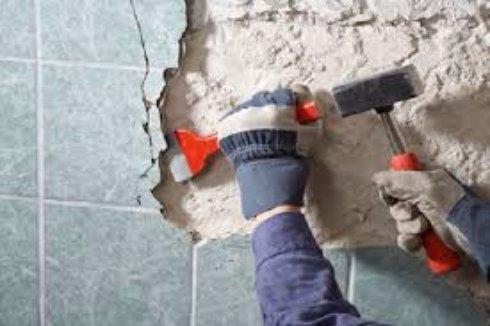 Как быстро сделать демонтаж керамической плитки