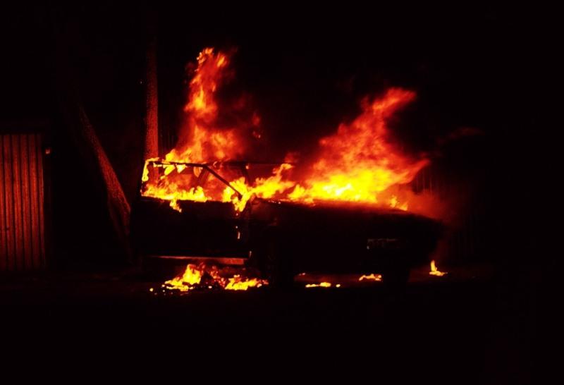 За ночь на территории Крыма сгорело три автомобиля