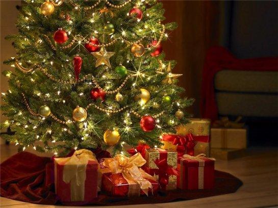 Чем украсить новогоднюю красавицу?