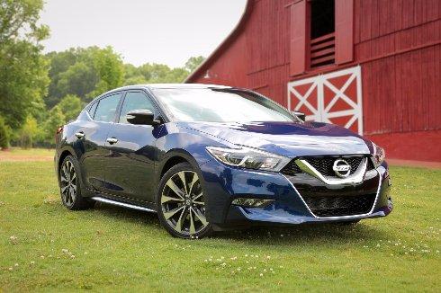 Nissan Maxima - новый стильный горожанин