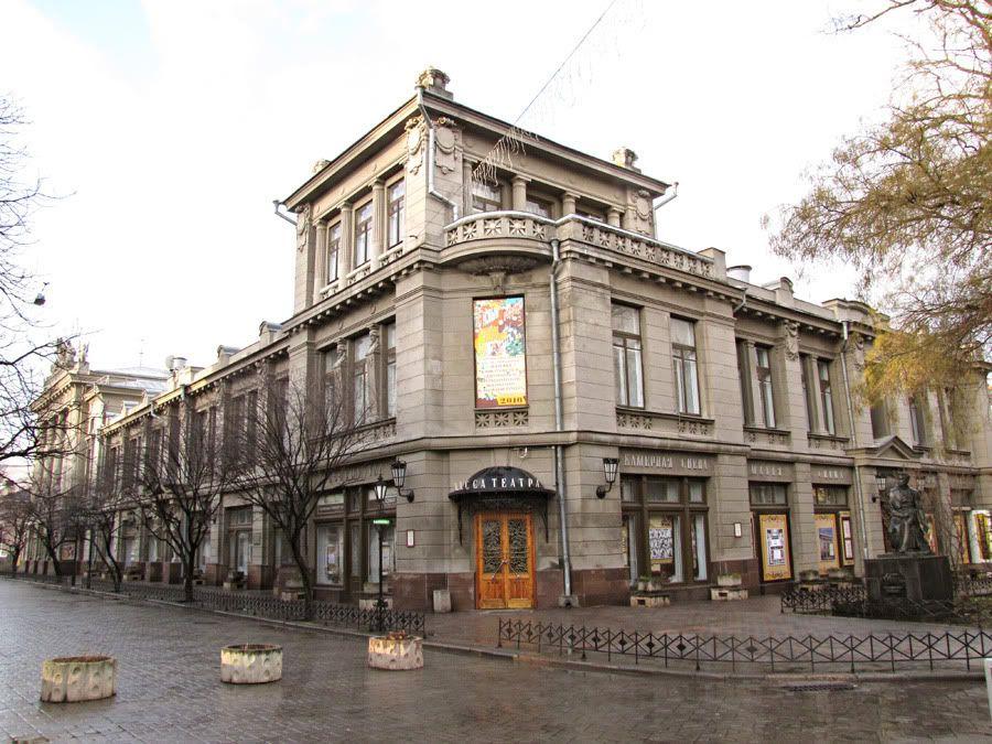 В симферопольских театрах будут показывать патриотические фильмы
