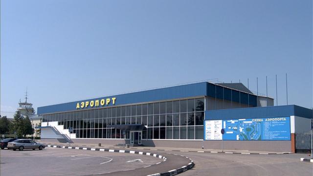 В Симферопольском аэропорту усилена безопасность в связи с терактами в Париже