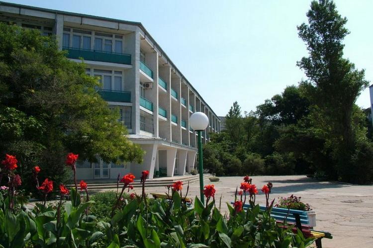 Отдых в крымских санаториях подешевел