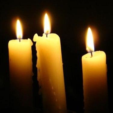Граждане по-своему разобрались с торговцем, который продавал свечи по 75 рублей