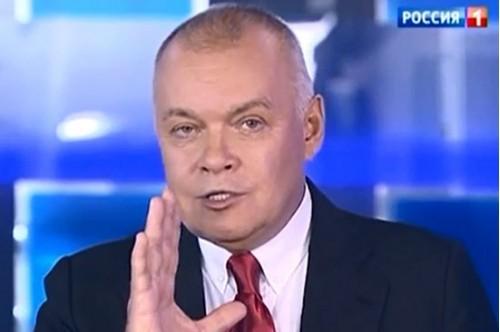 Знаменитый российский телеведущий занялся производством вина в Крыму