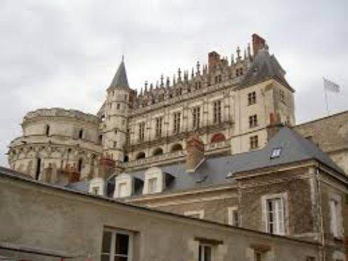 Замок Амбруаз - жемчужина Луары