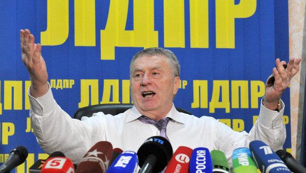Российские депутаты выступили за отмену новогодних каникул