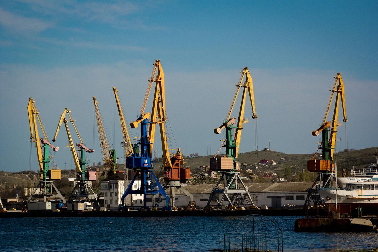 В Феодосии работают все предприятия ВПК