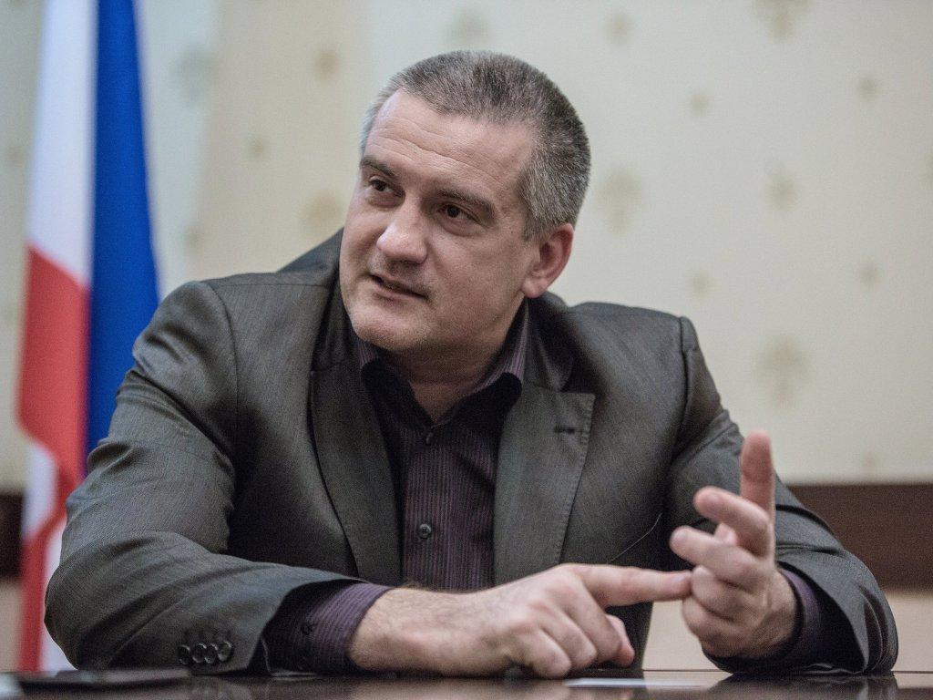 Аксенов считает крымских чиновников безответственными