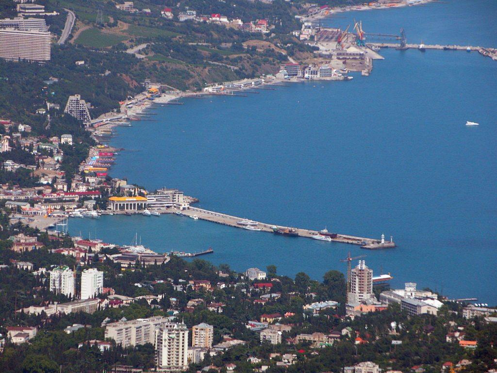 Ялтинские власти уверены, что маршрутчики мешают развиваться городу