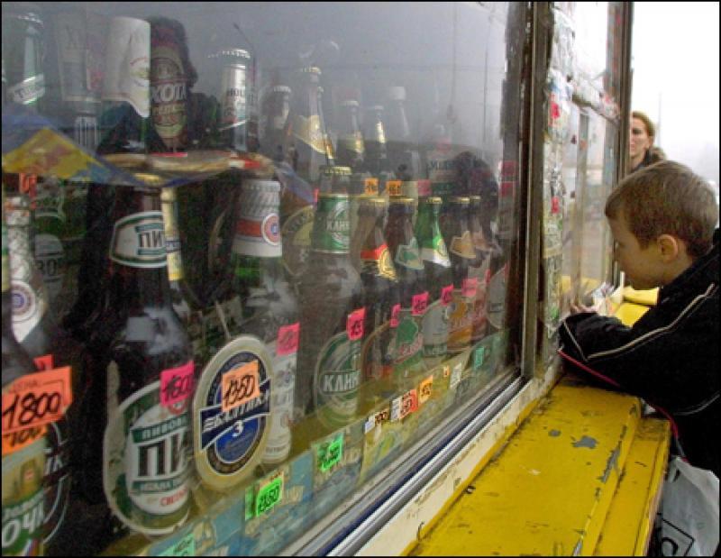 В Крыму провели рейды по магазинам, продающим алкоголь несовершеннолетним