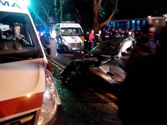 Смертельное ДТП в Симферополе: погибла девушка-пассажирка