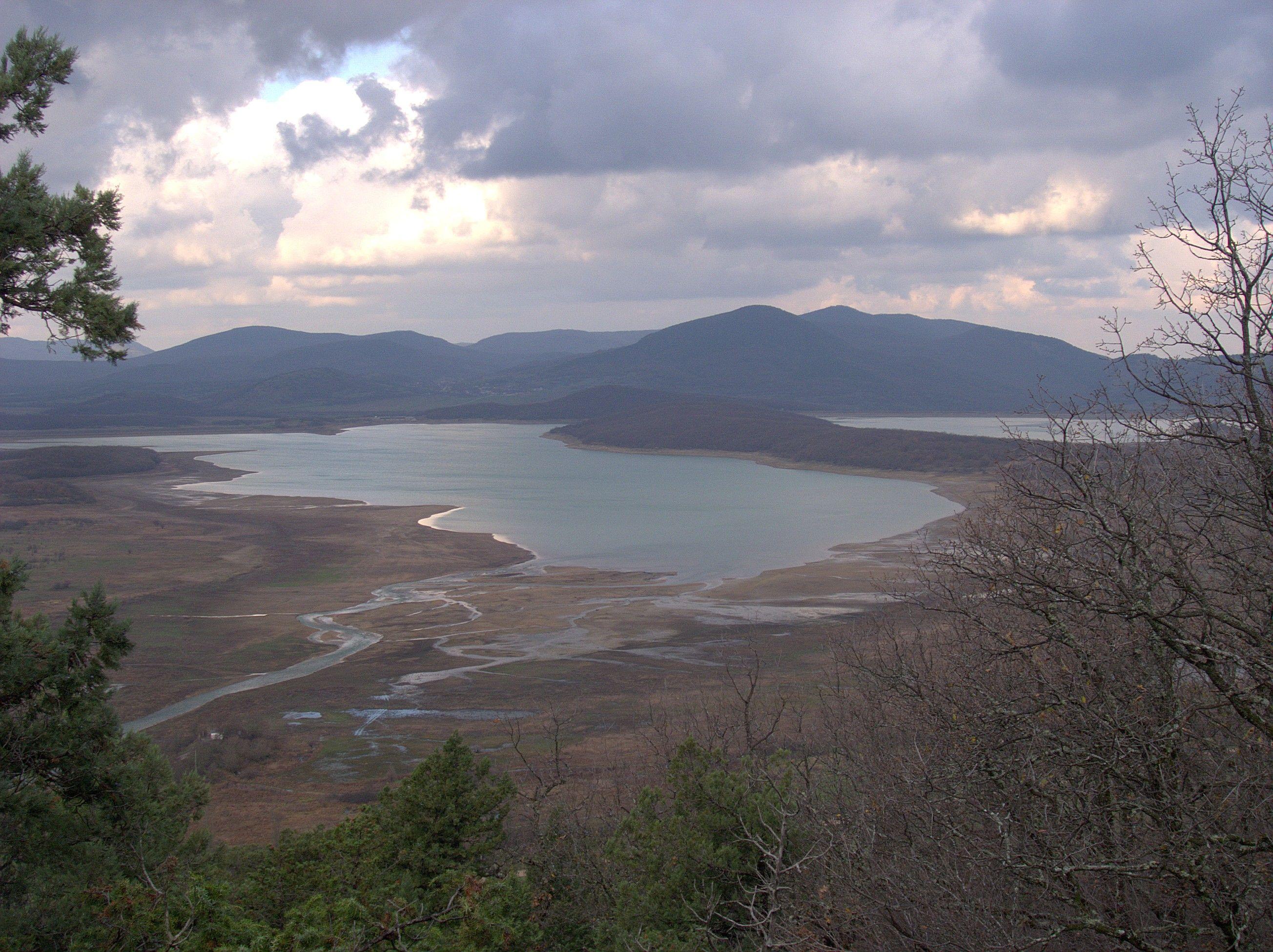 Чернореченское водохранилище наполнено лишь наполовину