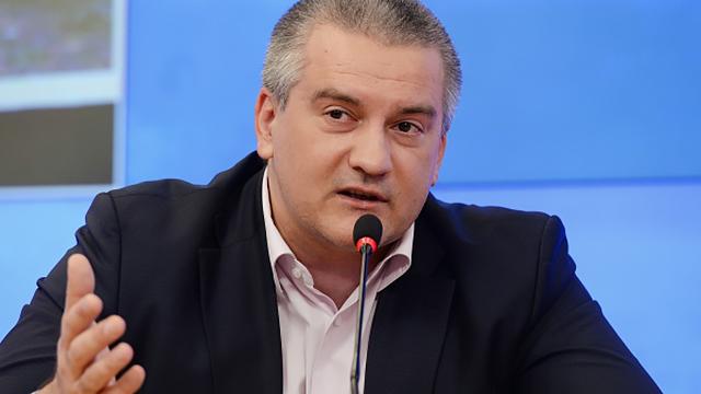 Аксенов обвиняет Порошенко в поддержке террористов