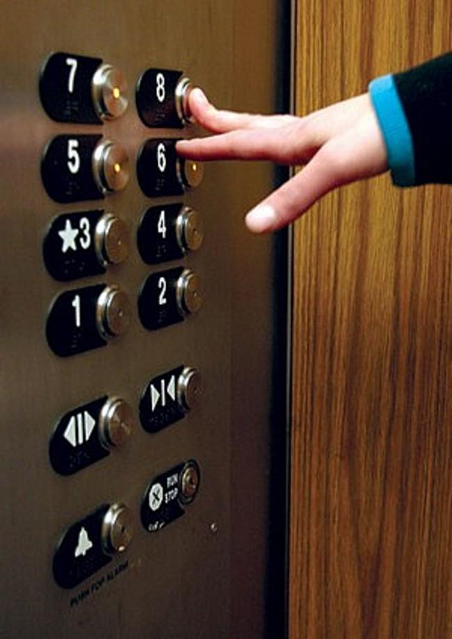 Керчане недовольны тем, что лифты и троллейбусы продолжают не работать