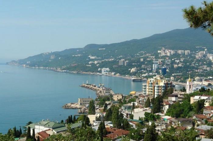 Аксенов не верит, что на полуострове отдохнуло больше 4 миллионов туристов