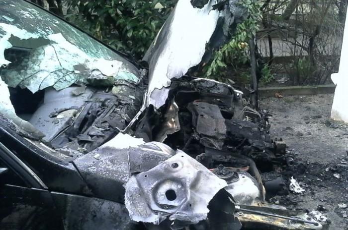 На ЮБК продолжают гореть автомобили