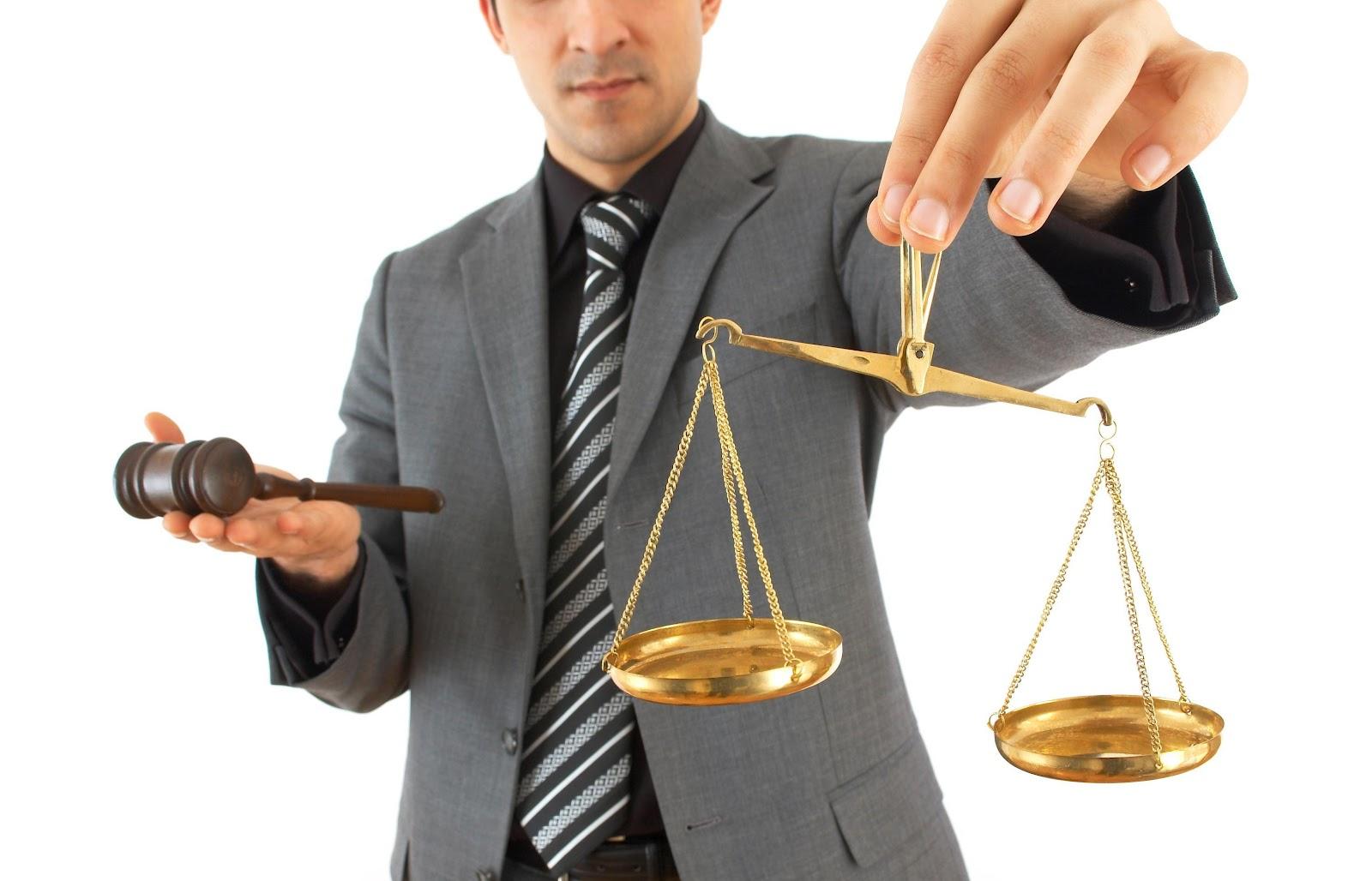 Крымский адвокат попался на мошенничестве
