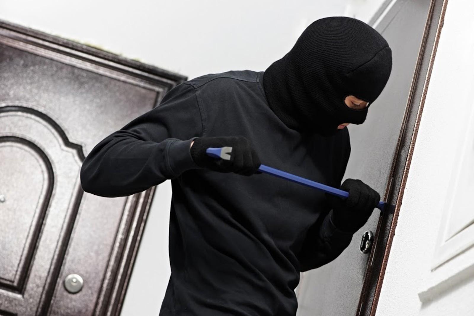 В Саках полицейские задержали квартирных воров