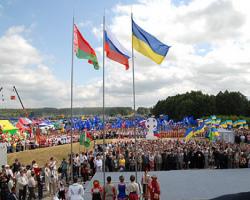 Белорусские власти предупреждают граждан об ответственности за посещение Крыма