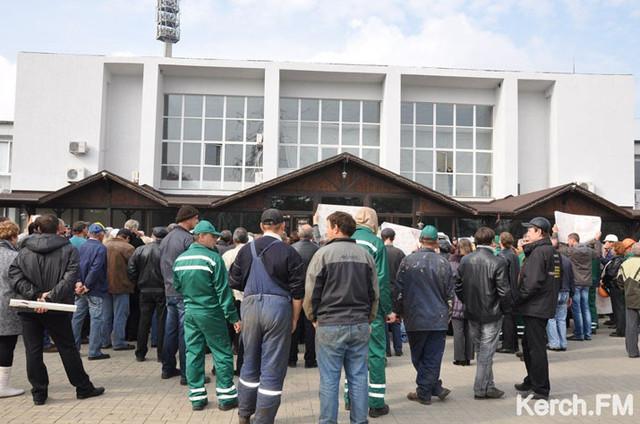 В Керчи по факту смерти сотрудницы завода возбуждено уголовное дело