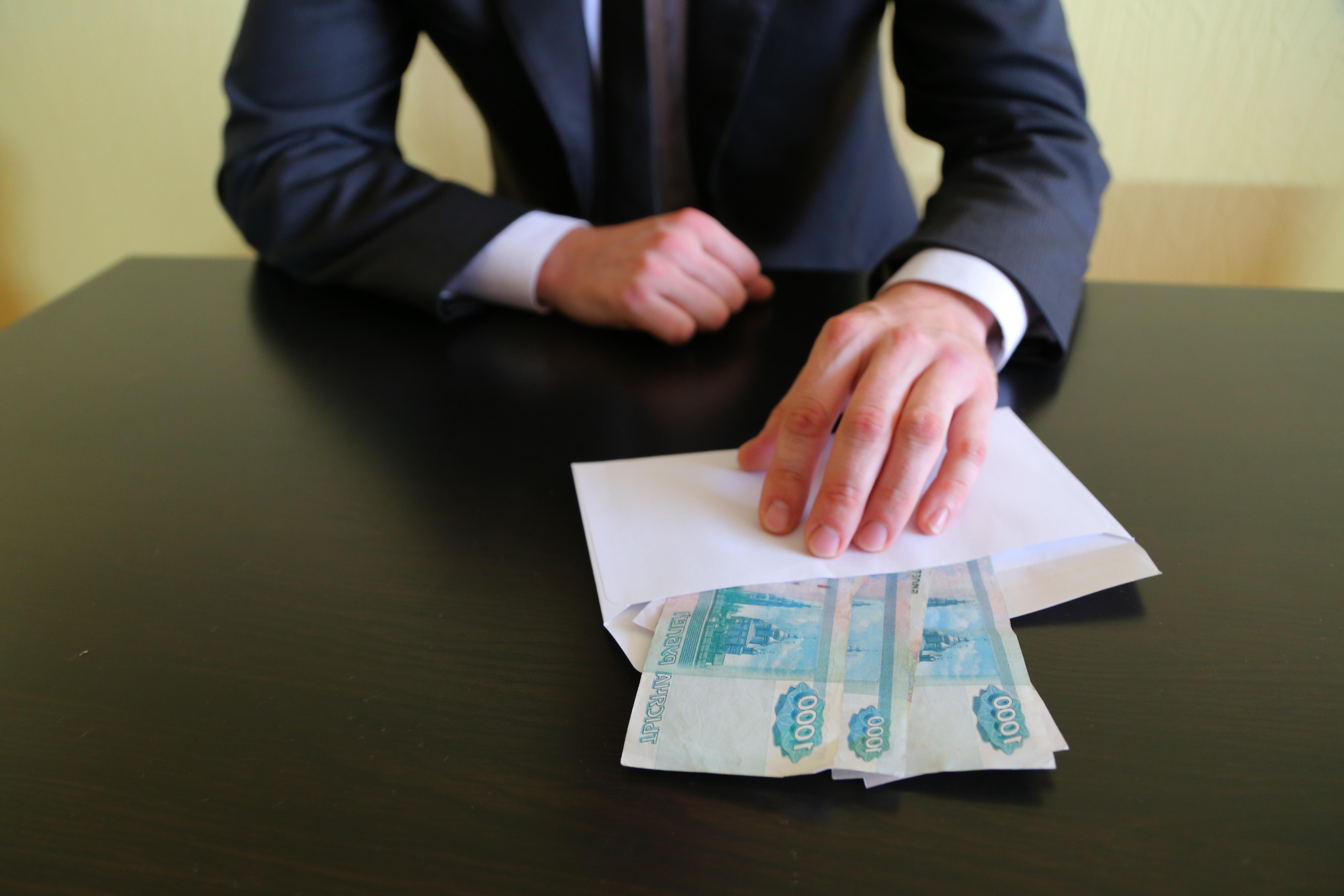 В Севастополе борец с коррупцией попался на взятке