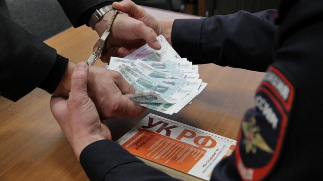 В Севастополе осудили местного жителя — взяточника