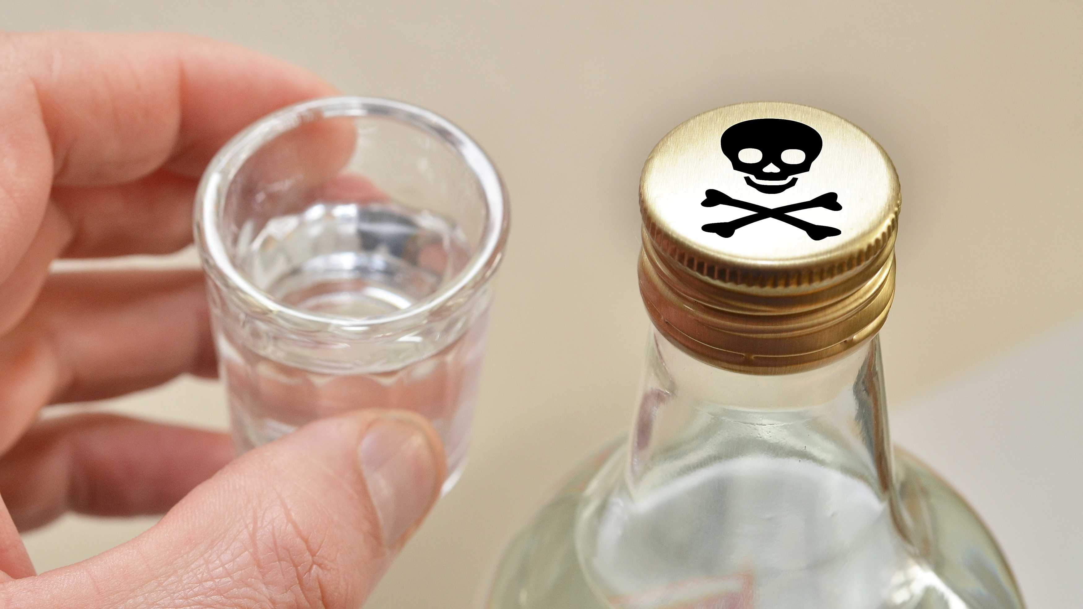 В Крыму продолжает процветать бизнес по продажам суррогатного алкоголя
