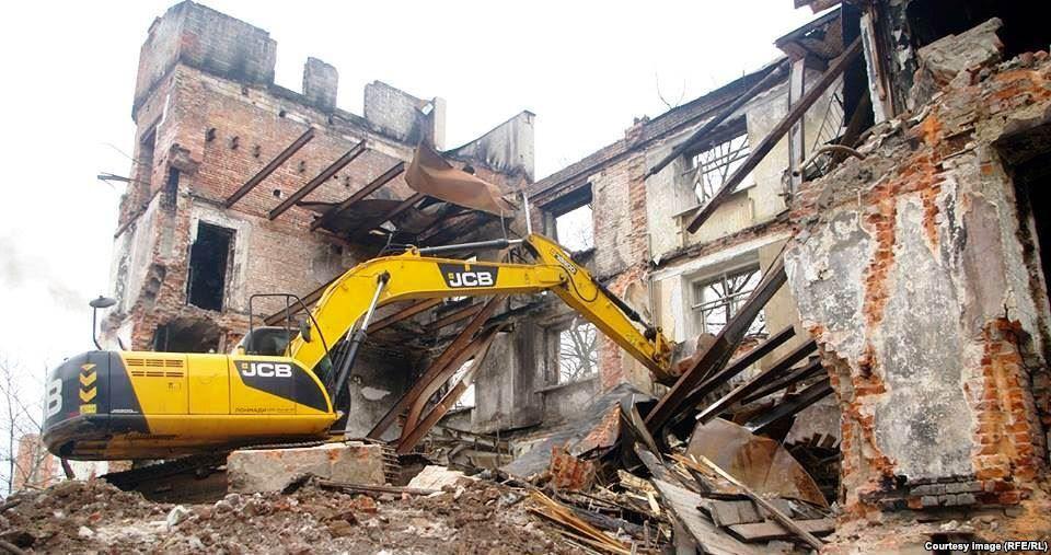В Крыму пообещали приступить к сносу нелегальных строительных объектов уже в сентябре