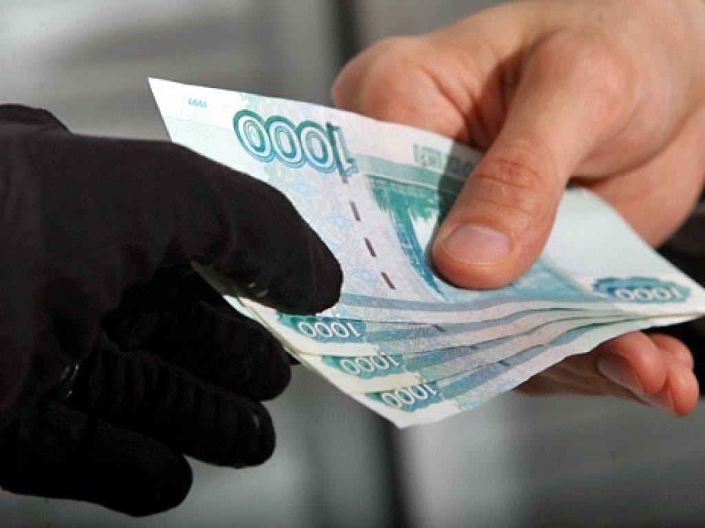 Жители Крыма шантажировали своих знакомых видеозаписью интимного характера