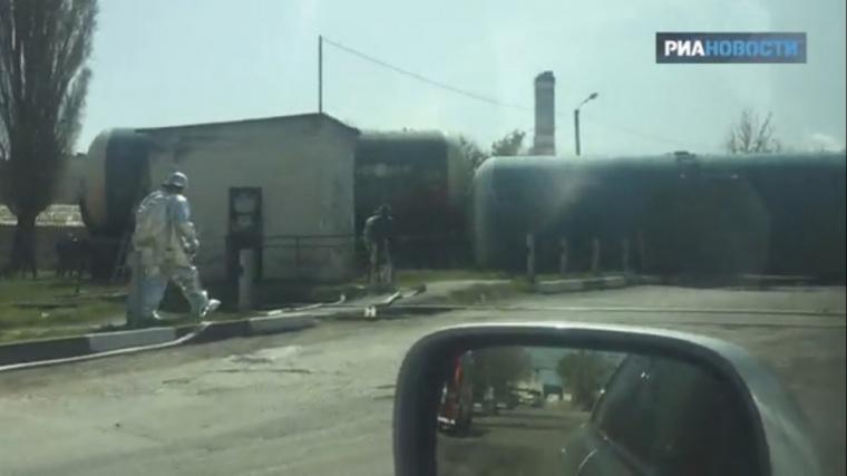 В Симферополе произошла крупная авария: перевернулась цистерна с бензином