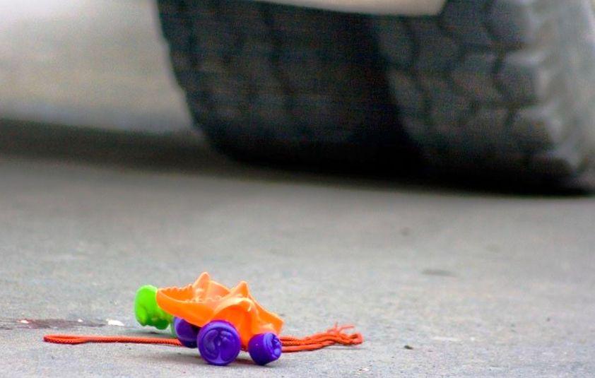 В Севастополе под колесами автомобиля пострадал ребенок