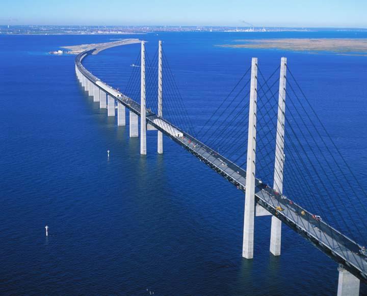 Путин обещает ,что мост через пролив будет сдан в срок