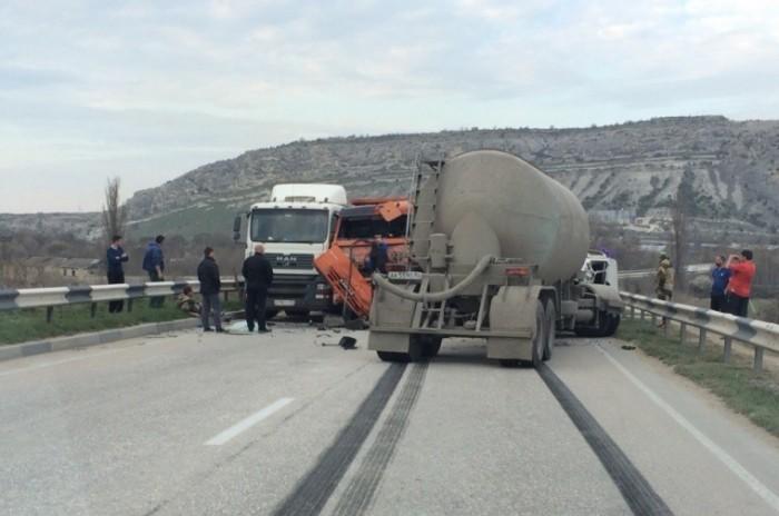 Серьезное ДТП на крымской трассе: погиб один человек