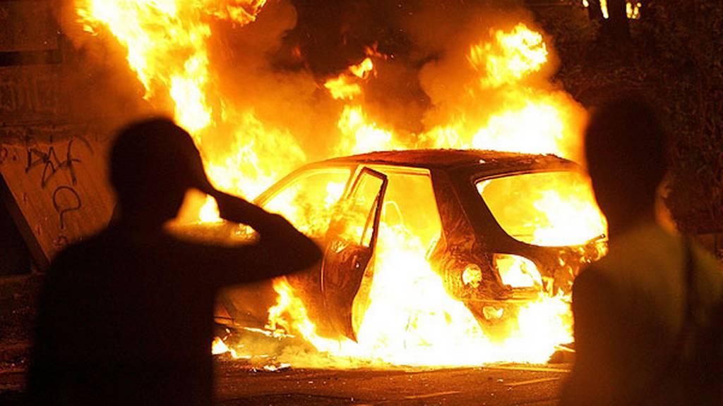 В Севастополе угонщики решили сжечь автомобиль, чтобы скрыть следы преступления
