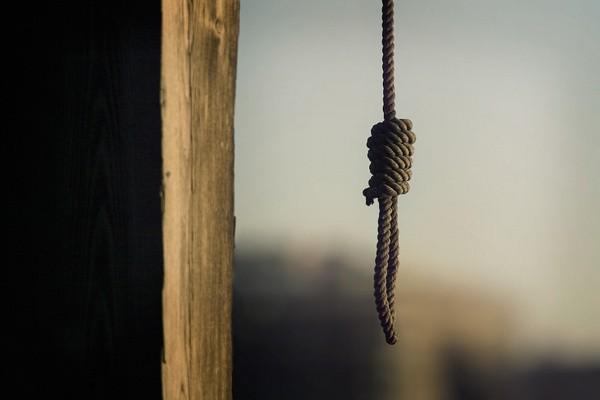 В Севастополе полицейские не позволили пенсионерке покончить с собой