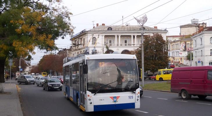 Севастопольским детям разрешат ездить в троллейбусах бесплатно