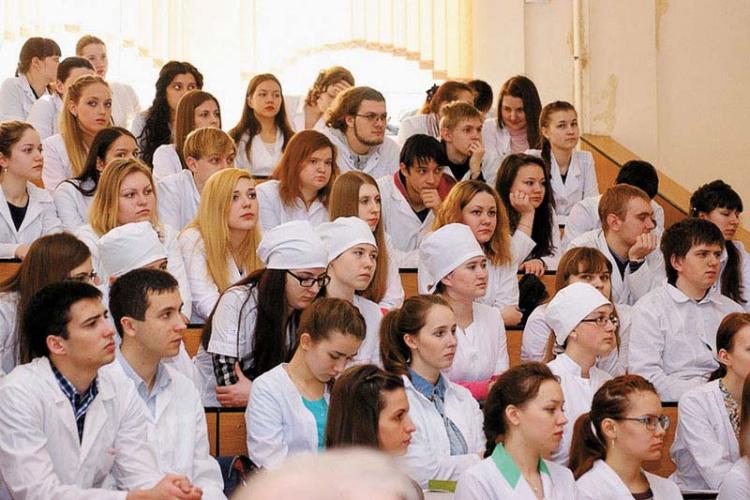 Студентам медикам в Крыму обещают обеспечить практику в больницах