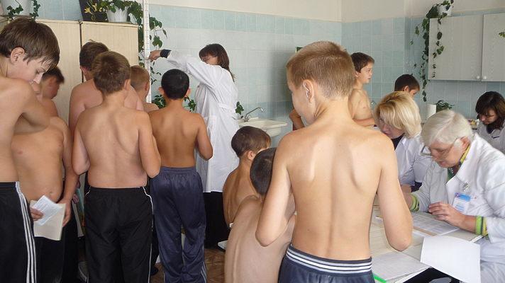 Севастопольских медиков накажут за несвоевременные медосмотры школьников